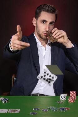 Antoine poker marc zommer photographies 28 pp def portrait